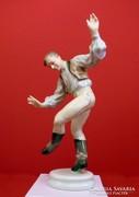 Herendi táncoló figura