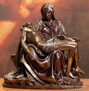 Pieta szobor