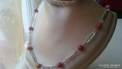 Korall gyöngyökkel díszített ezüst nyaklánc ( vörös, nemes)
