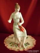 Hollóházi porcelán paprika fűző nő