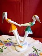 Hollóházi porcelán pörgő táncoló lányok