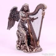 Hárfázó angyal szobor