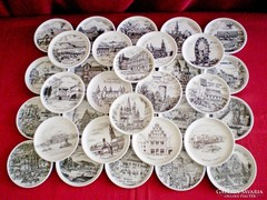 34 db porcelán tálka Osztrák, Német városok, tájak képeivel