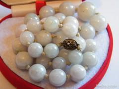 Régi ,Kínai Jáde nyaklánc ezüst kapoccsal.