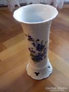 Álomszép váza ibolyákkal