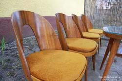 Tátra Nabytok (Antonin Suman tervezte) székek és asztal