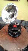 Tölcséres gramofon II