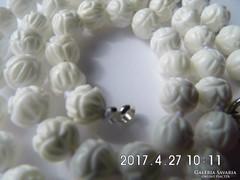 Faragott fehér korall nyaklánc