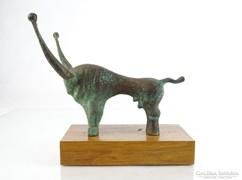 0C681 Mihály Árpád szürkemarha bronz szobor