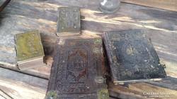 4 db Antik Rézveretes-csatos Kossuth Címeres egyházi könyv