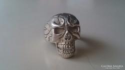 Ezüst koponya gyűrű, súlyos, masszív darab. (Magyar 925 ös)