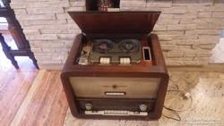 Terta rádió kombinálva szalagos magnóval