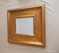 Igényes kidolgozású fali tükör szép keret