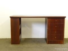 0L518 Képcsarnokos formatervezett íróasztal