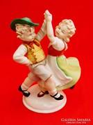 Táncoló gyerekek porcelán figura