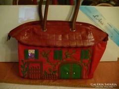Figyelemreméltó, különleges női táska