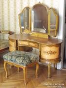Neobarokk hálószoba, fésülködőasztallal