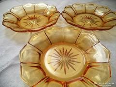 Borostyánsárga üveg süteményes tányérok
