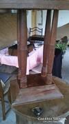 Régi ovális asztalka!