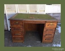 Jelzett Lingel,sok fiókos íróasztal