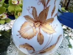 Arany orchideás váza