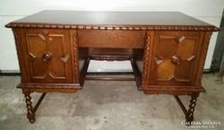 Felújított különleges Koloniál íróasztal eladó