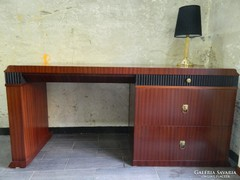 Empier stílusú robosztus íróasztal
