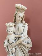 Csodás Mária a kis Jézussal