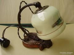 Antik bronz talapzatú festett üvegbúrás fali lámpa