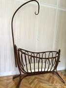 Bécsi antik Thonet bölcső költözés miatt áron alul eladó.