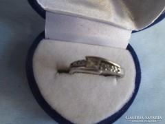 Antik ezüst gyűrű 925-ös jelzéssel, kövekkel díszített