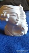 Női fej - Fehér szobrocska
