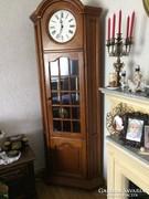 Sarok fa szekrény, álló óra,nagy méret.