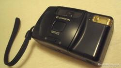 CHINON - vakuval egybeépített (filmtekercses) fényképezőgép.