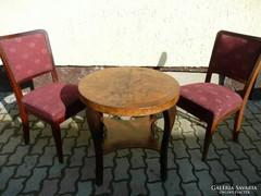 Gyönyörű Art Deco asztalka két székkel eladó 1930-ból