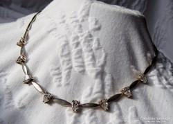 Gyönyörű ezüst colier csepp alakú szint. gyémántokkal