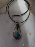 Drótékszer, nyaklánc, medál - fekete és kék ásvánnyal