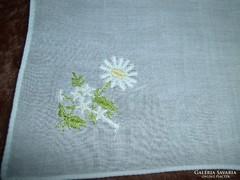 1330. Díszzsebkendő - hímzett vékony