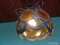 Kültéri kovácsoltvas lámpa.