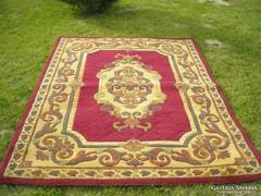 Gépi perzsaszőnyeg