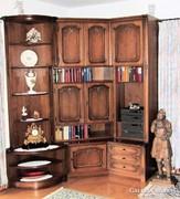 Warrings, neobarokk stílusú nappali szekrény.