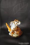 Hollóháziporcelán leopárd mintás nyúl répával.