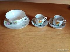 1 db teás csésze + alj és 2 db kávés csésze + alj