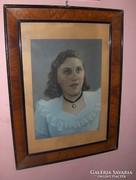 Régi női portré üvegezett keretben (g)