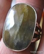 925 ezüst gyűrű, 19,3/60,6 mm, kezeletlen zafírral