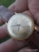 Aranyozott Poljot ffi öltöny óra nagyon szép