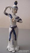 Kedves, keleties porcelán figura