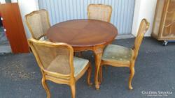 Warrings étkezőasztal 4 székel 100x75 magas és 150cmre nagyb
