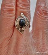 Meseszép antik onixköves ezüstgyűrű