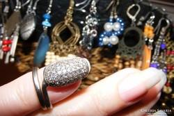 Ezüst és Swarovski kristály köröm gyűrű.